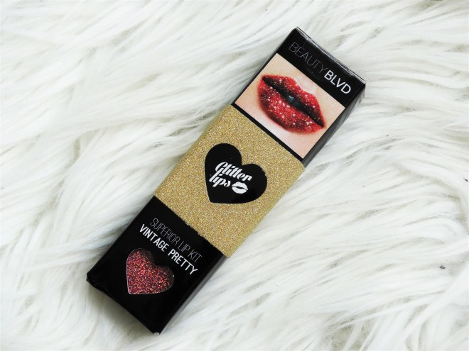 Review glitter lips