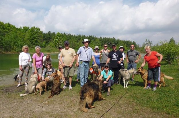 Dog off leash hiking group