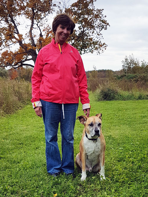 Baxter with his grandma - Why does my dog refuse to walk with other people?