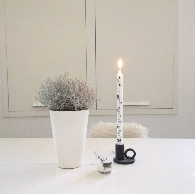 scandinavian feeling hygge table candle advent winter