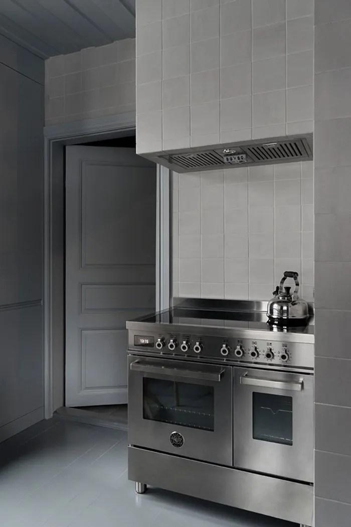 dark moody house swedish kitchen2