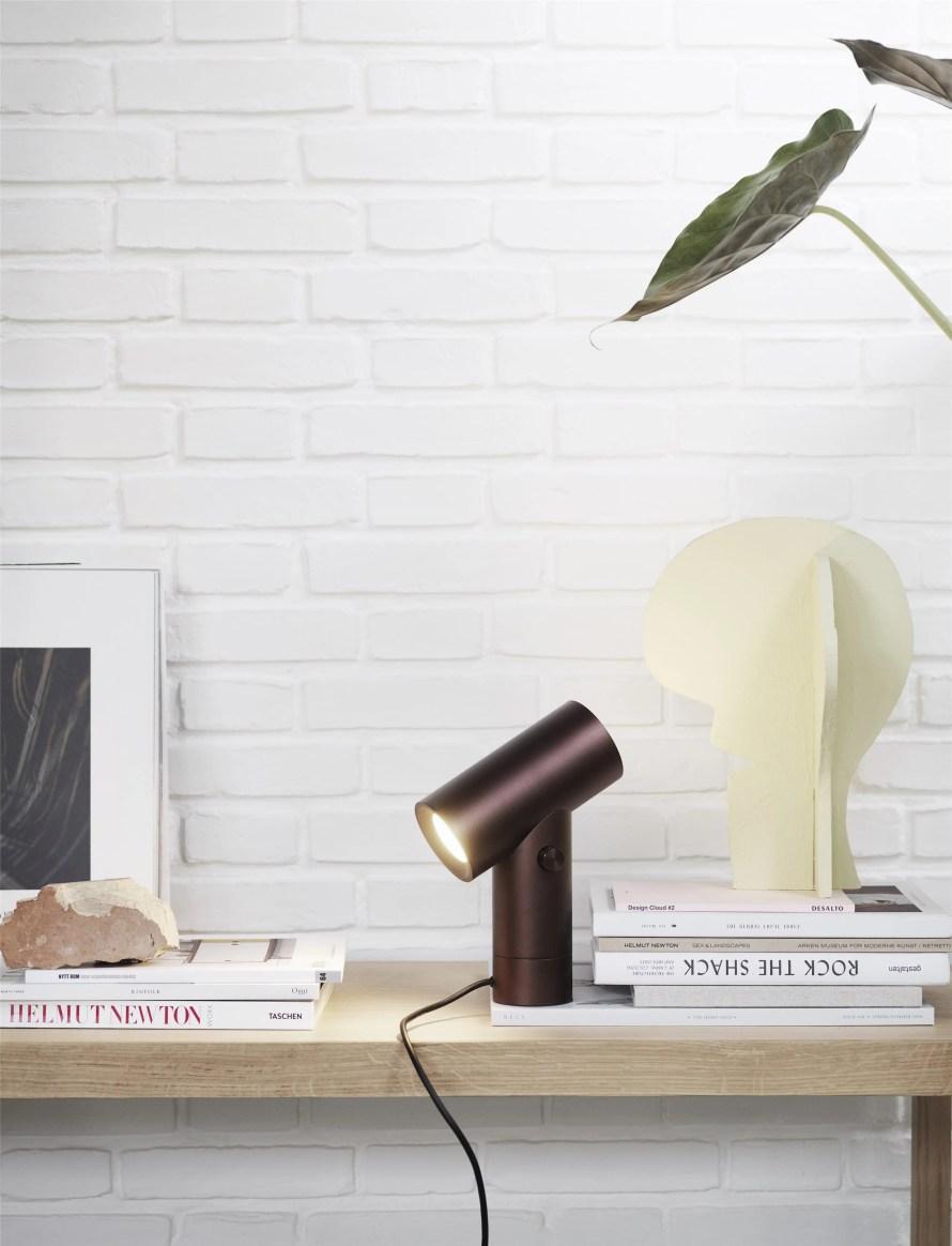Beam lamp muuto design table