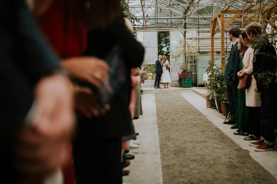 couple reception norwegian wedding lineowrenfotografi tuvamats