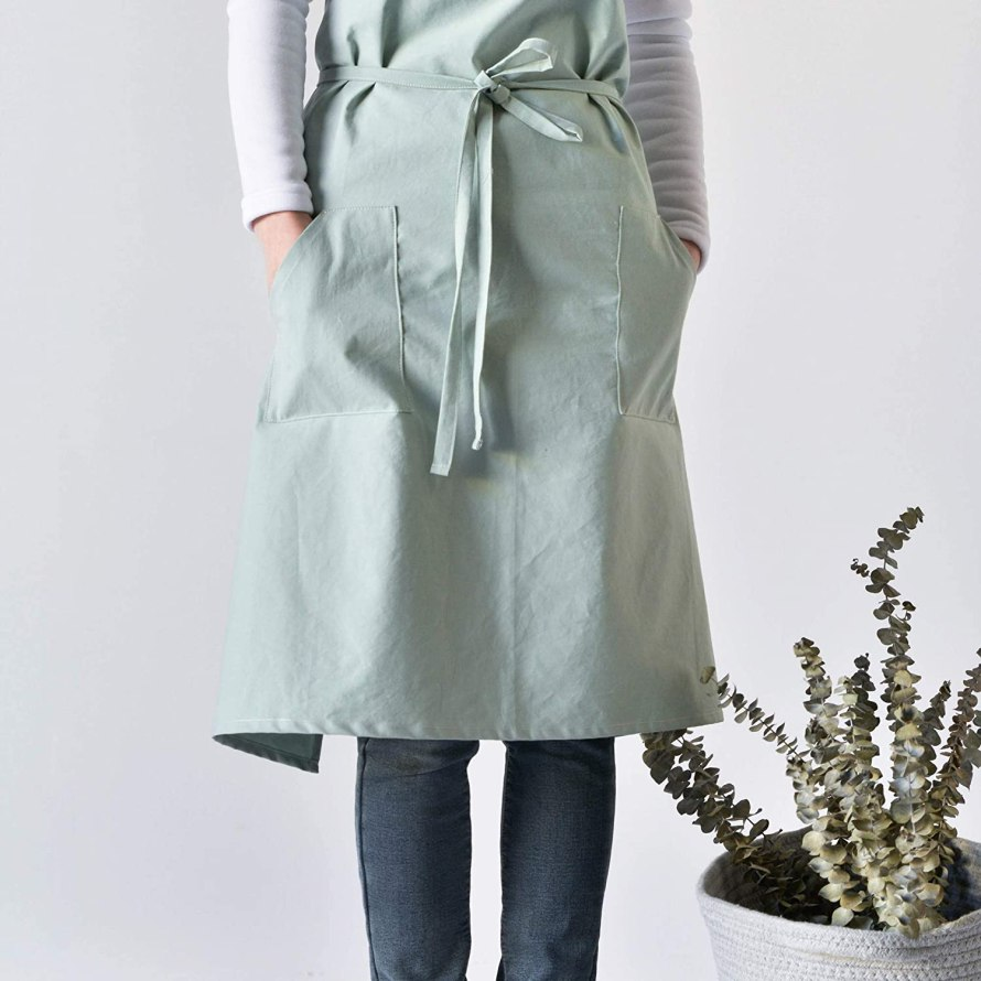 scandinavianfeeling plant apron style