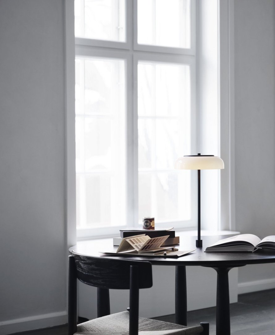 scandinavian feeling lamp table blossi nuura scaled
