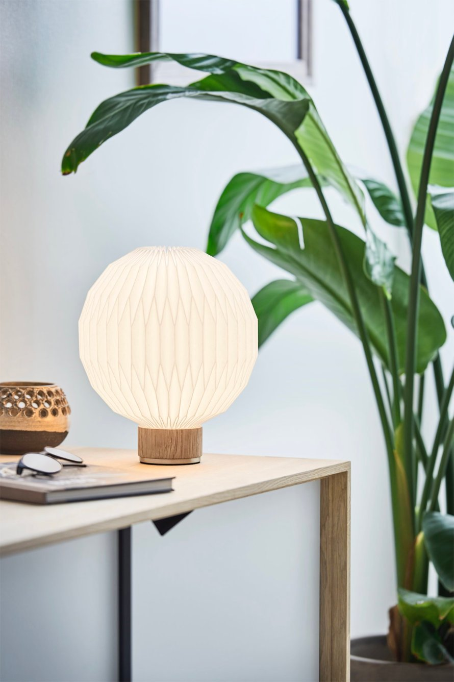 scandinavian feeling table lamp Model375 leplint
