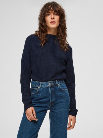 cozy-blue-jumper-jeans-scandinavina-style-fashion-autumn