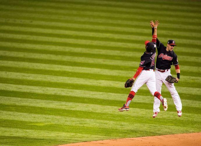 2016 World Series Game 1 - Andrew Hancock - ESPN