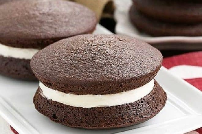Classic Whoopie Pies - The best recipe for Whoopie Pies with an exquisite marshmallow cream filling