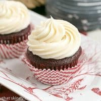 Red Velvet Cupcakes | The quintessential red velvet cupcakes made with buttermilk and a splash of of vinegar. The cream cheese icing is also to die for!!