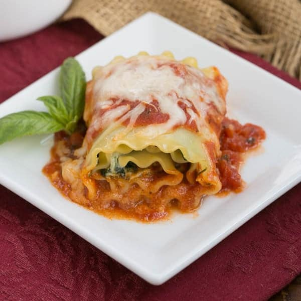 Lasagna Rolls | Lasagna noodles filled with spinach, ricotta and prosciutto