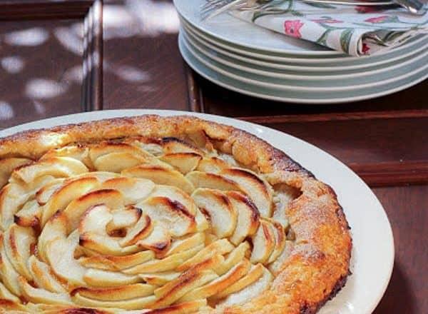 Apple Crostata | An easier way to enjoy the taste of apple pie!