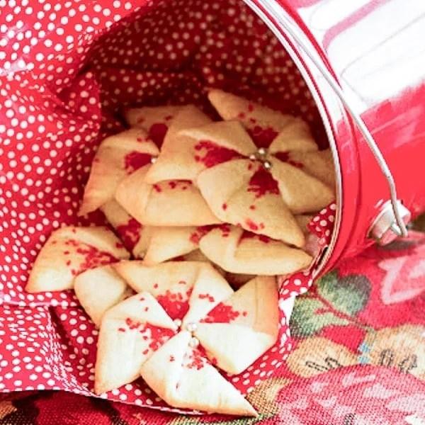 Poinsettia Cookies