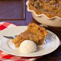 Crumb Topped Apple Pie | That Skinny Chick Can Bake