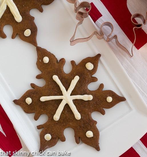 Crisp Gingersnaps Cookies