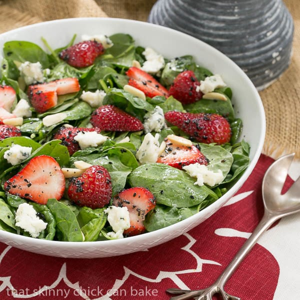 Spinach Strawberry Salad | summer salad with spinach, berries, blue cheese and almonds
