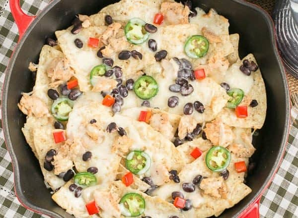 Spicy Salmon Nachos | Cheesy chips with jalapenos, black beans and salmon #ad