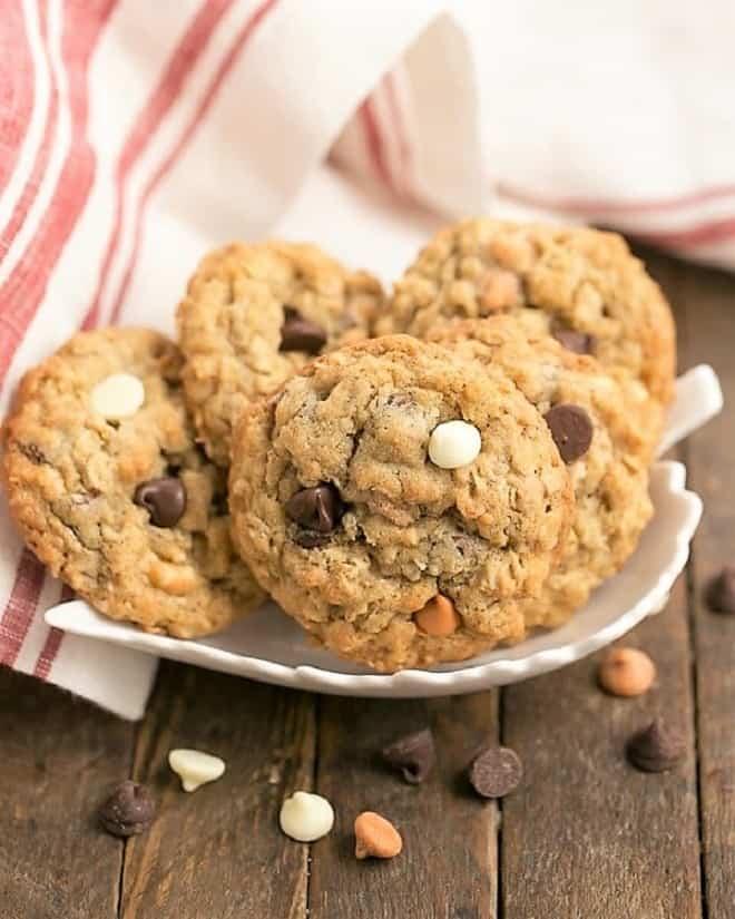 Triple Threat Oatmeal Cookies in a white leaf dish