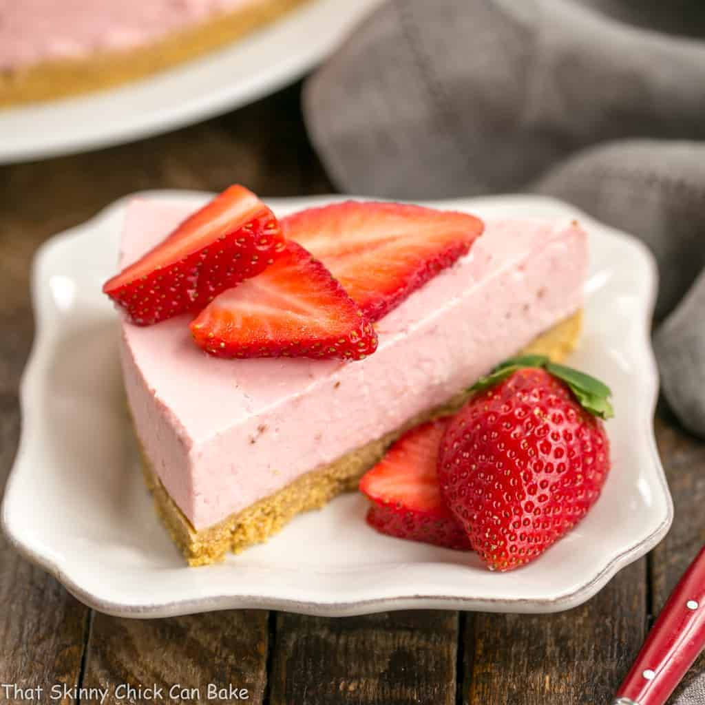 No-Bake Strawberry Cheesecake | A dreamy berry cheesecake that doesn't require turning on the oven!!!