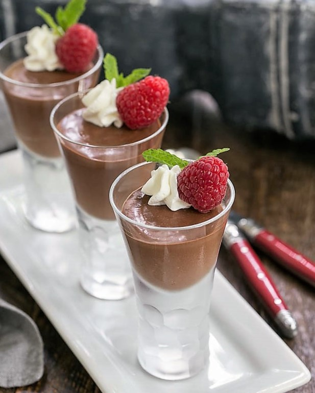 Blender Chocolate Mousse on a whitle tray
