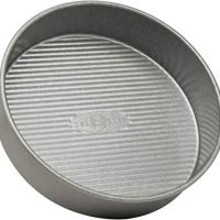 9-inch USA Pan Bakeware 1070LC Round Cake Pan,  Nonstick & Quick Release Coating, 9-Inch