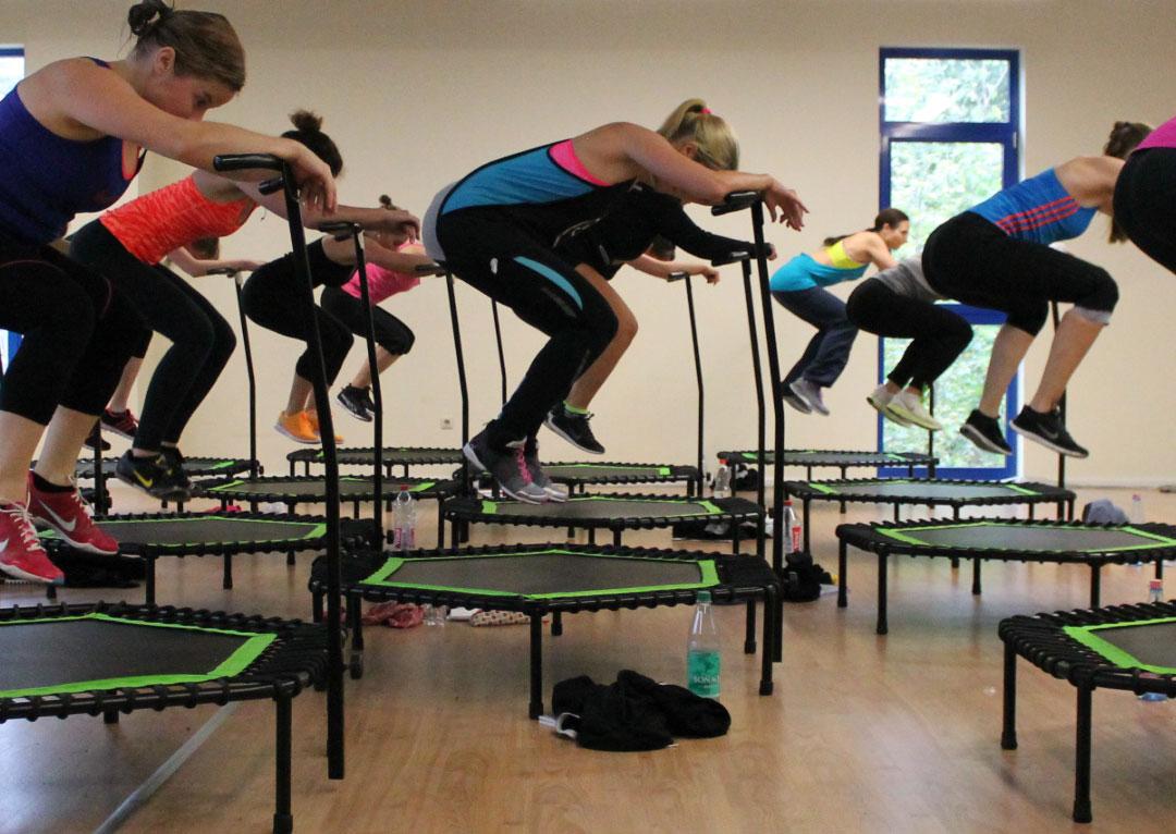 Trampolin Sport mit Jumping Fitness