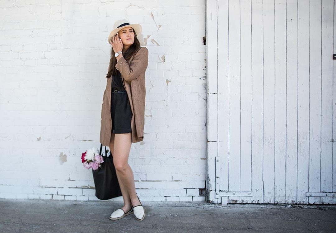 Long Blazer mit Jumpsuit und Hut