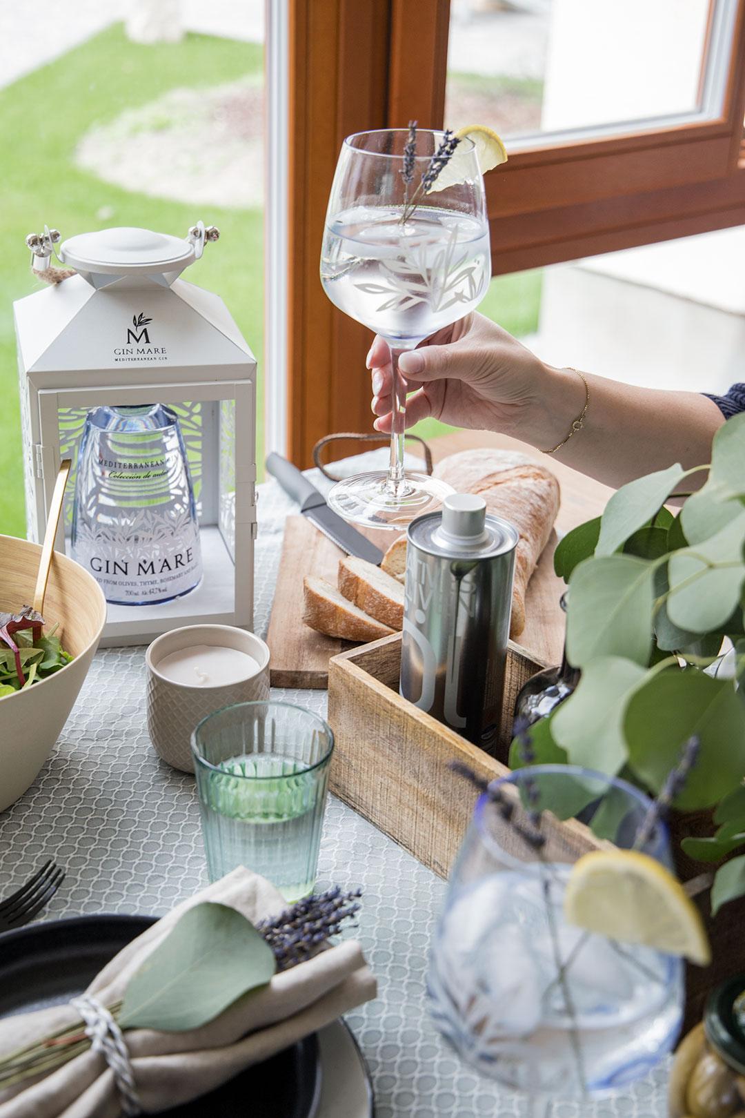 Sommerdate-mit-Drinks-Gin-tonic_8