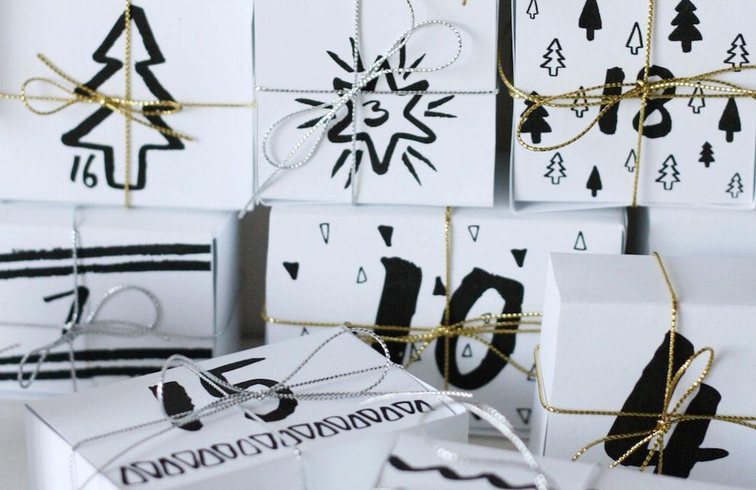 minimalistische Adventskalender zum Selbermachen mit verzierten Päckchen