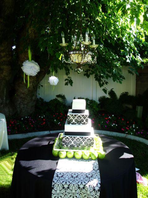 Damask-wedding-cake-utah