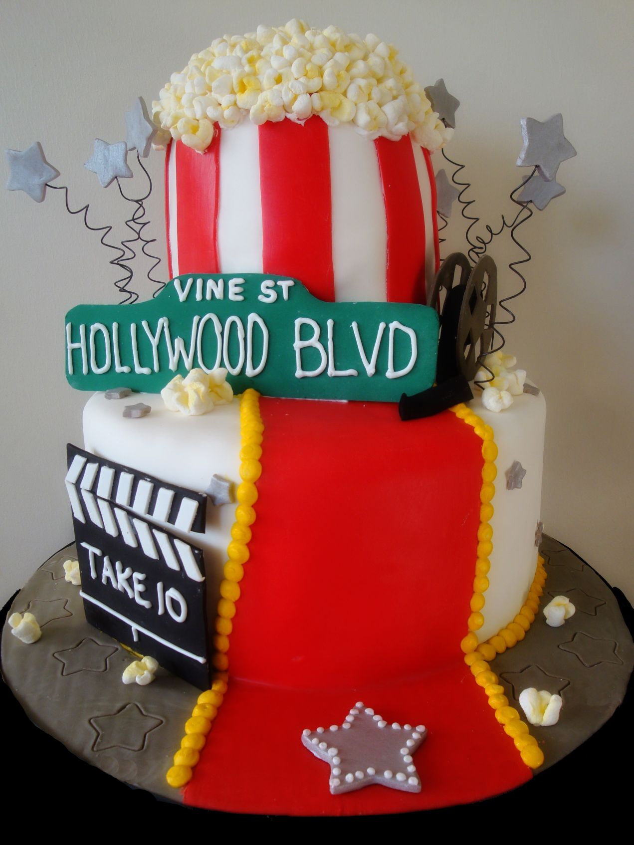 Awe Inspiring Hollywood Birthday Cake Thats My Cake Funny Birthday Cards Online Overcheapnameinfo