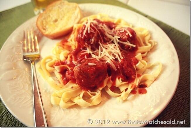 Garlicky Meatballs with Fettuccine Pasta
