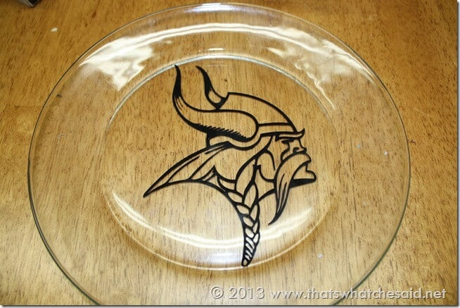 How to Paint your Own NFL Serving Dish at www.thatswhatchesaid.com