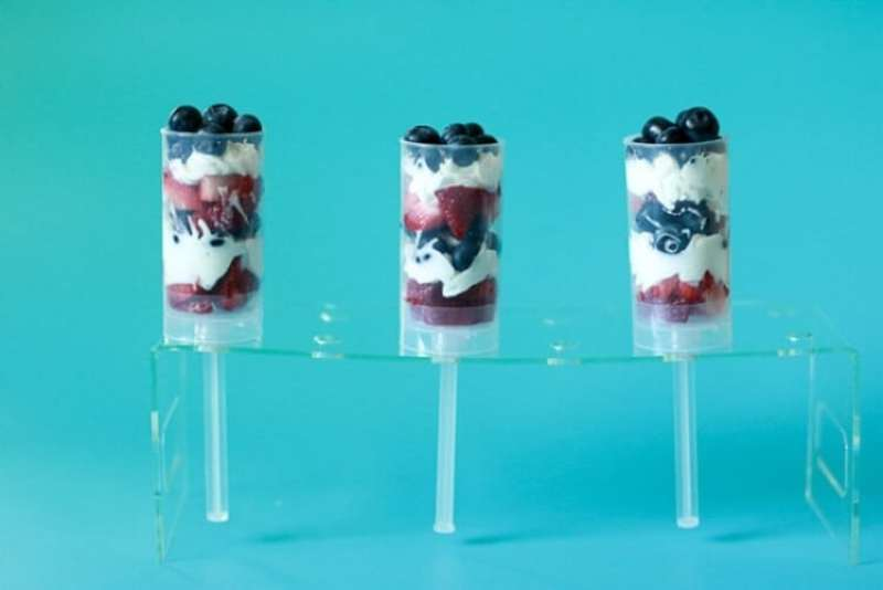 repeat all three layers to create six fruit and cream layers