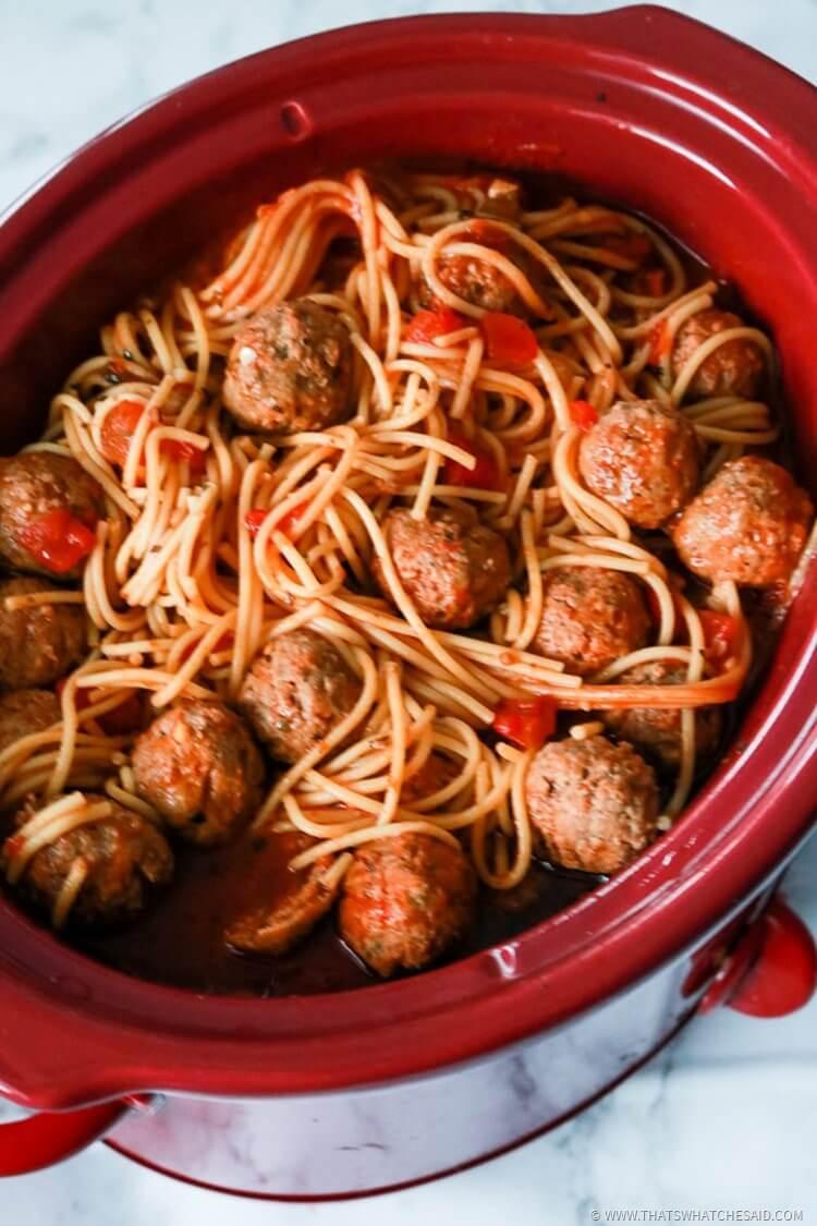 The Best Slowcooker Spaghetti & Meatballs Recipe