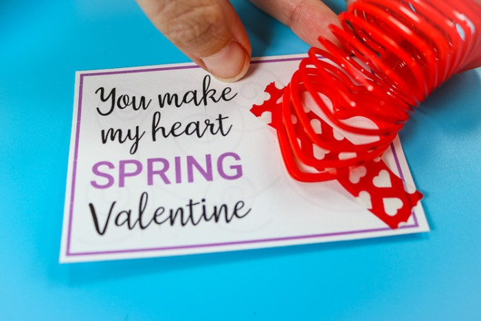 Close up of how to attach the spring to the card