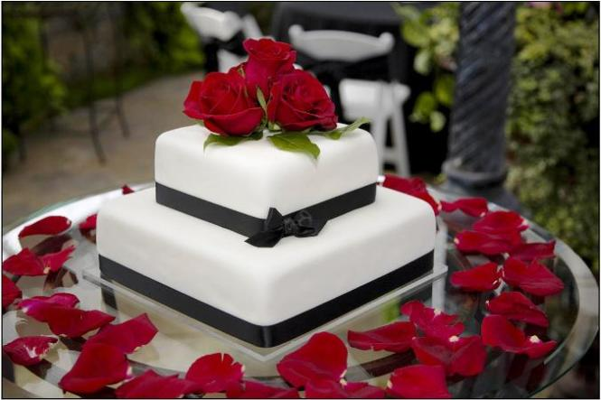 2 Tier Cake White W Black Design Red Sugar Rose