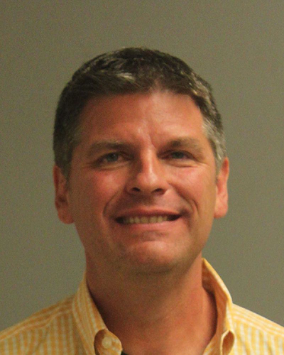 Robert Knickerbocker, DWI, charged with impersonating a police officer.