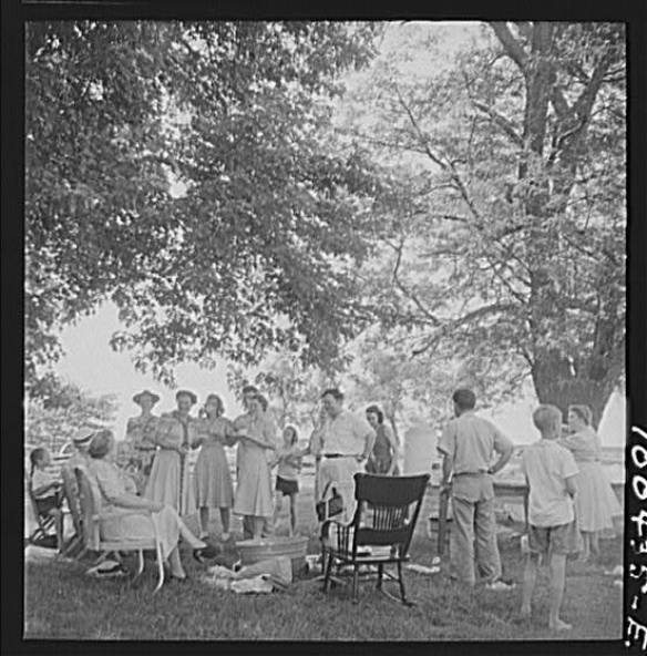 All Faith Sunday school picnic on Patuxent River in the 1930's.