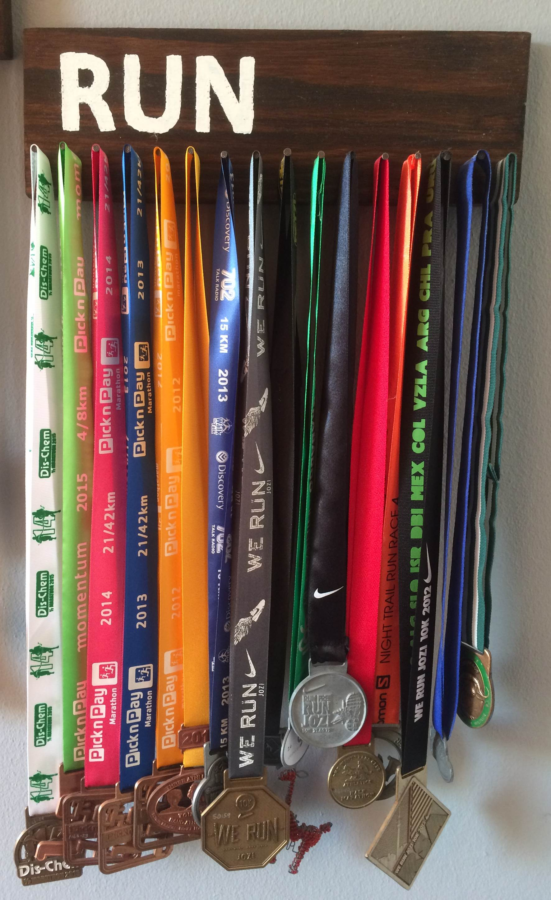 Simple Medal Holder Display Your Race Medals The Diy Life