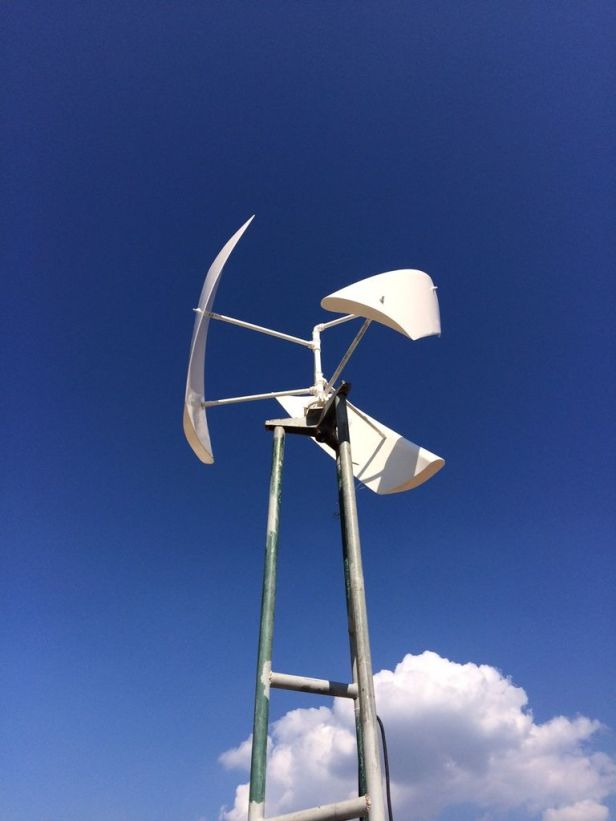 homemade vertical axis wind turbine alternate view