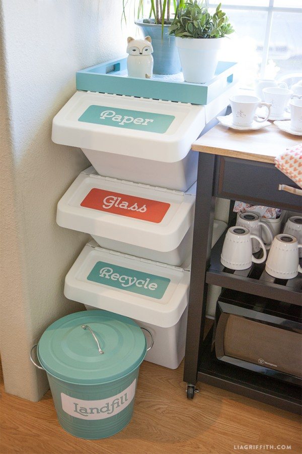 Stackable Storage Container Recycling Station