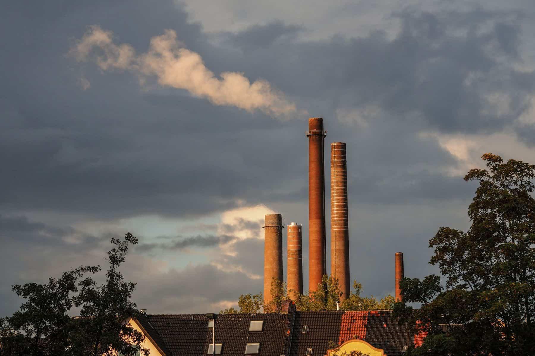 Reisholz:_ Henkel am Horizont (Foto: H.Keendelbacher)