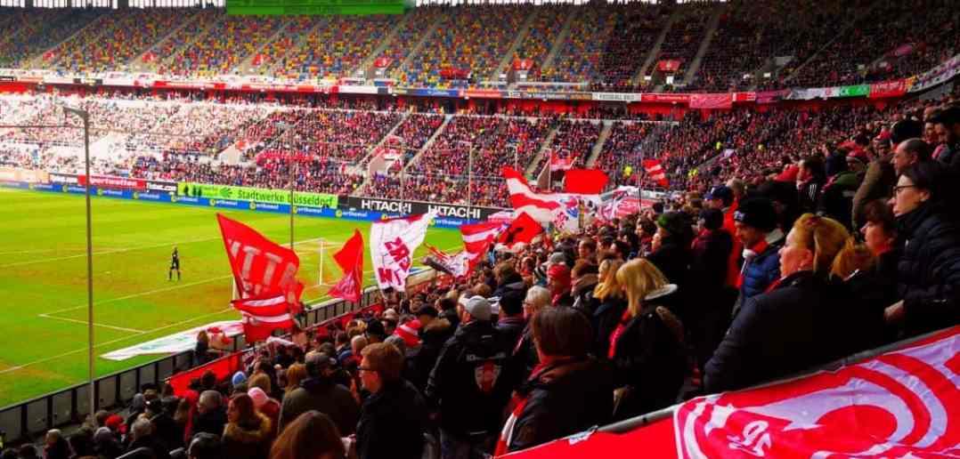 F95 vs Fürth: Noch ist die Stümmung gut... (Foto: TD, Februar 2018)