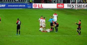 F95 vs Hertha: Diskussion nach Foul