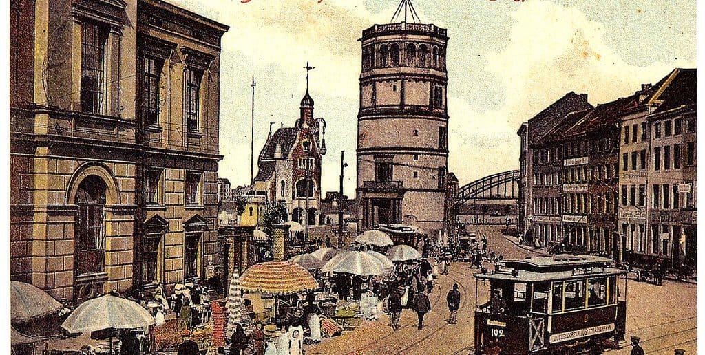 Der Burgplatz mit dem Düsselschlösschen (Postkarte von 1908)