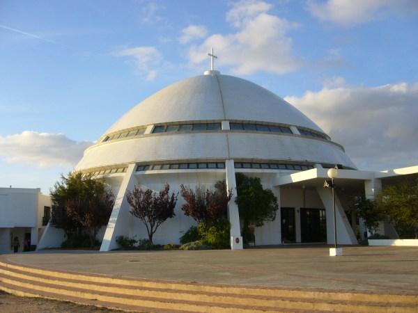 Ufo oder Kirche? Santuário de Nossa Senhora da Piedade an der Algarve in Portugal