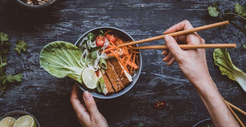 Reisnudeln mit Pak Choi und Kokosmilch - vegan und glutenfrei