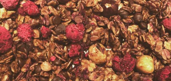 raspberry chocolate granola