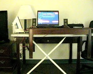 Hotel standing desk